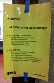 sign welcoming people to bida