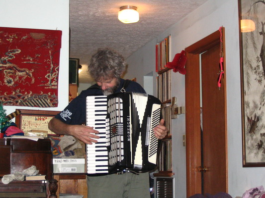 Davy, with accordion